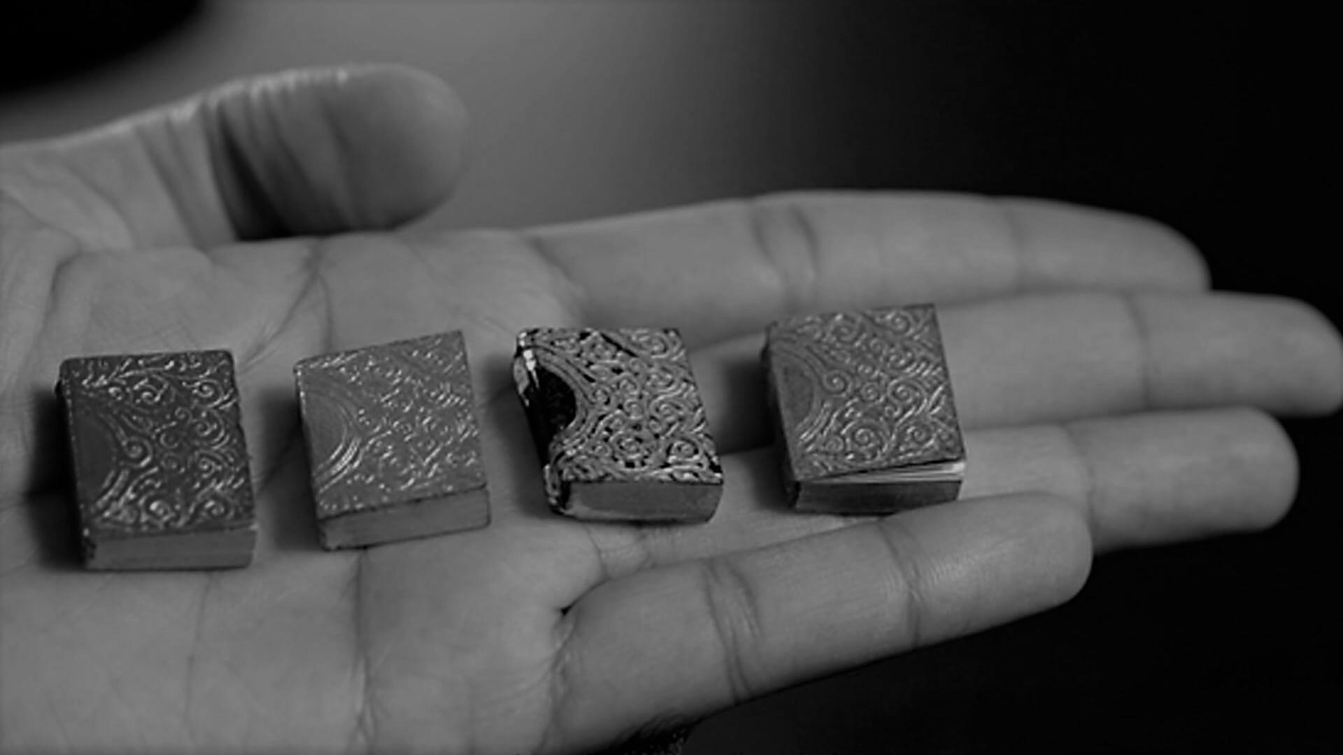 MiniatureBookCollector